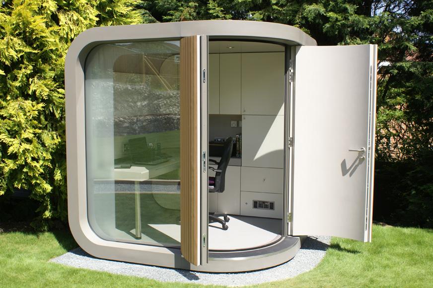 Office Pod instalada en un jardín